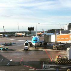 #copenhagen #denmark #hereicome #schiphol #kastrup #airplane #klm #boeing #boeing737 #737700 #plane #sundaymorning