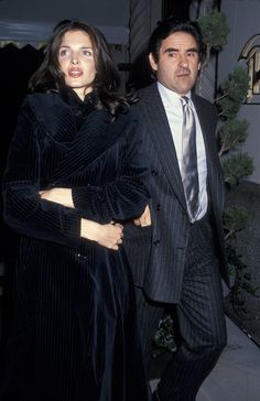 Stephanie Seymour was 27 and Peter Brant was 48 when they were married in They are currently still together and have three children. 80s And 90s Fashion, High Fashion, 90s Icons, Original Supermodels, Stephanie Seymour, Mary Kate Ashley, Carla Bruni, 90s Models, Trophy Wife