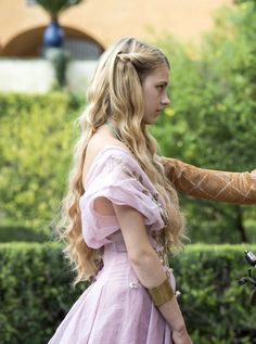 """the-garden-of-delights: """"Nell Tiger Free as Myrcella Baratheon in Game of Thrones (TV Series, [x] """" Costumes Game Of Thrones, Game Of Thrones Outfits, Game Of Thrones Dress, Nell Tiger Free, Got Costumes, Princess Aesthetic, Winter Is Coming, Narnia, Costume Design"""