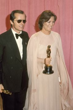 Louise Fletcher & Jack Nicholson - Academy Awards 1976 - One Flew Over the Cuckoo's Nest