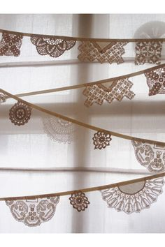 Vintage Doily Bunting, Banner, Garlands - Crochet doilies in off white its long from Bunting Boutique. via Etsy. Doily Garland, Doily Bunting, Bunting Banner, Garlands, Bunting Ideas, Crochet Bunting, Doily Art, Party Bunting, Party Garland