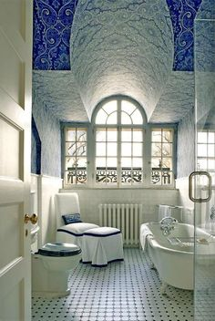 gorgeous ceiling. Do you want your bathroom to look luxurious and modern? Get the best tips for your bathrooms and another home design ideas at http://www.homedesignideas.eu/ #contemporary #interiordesign