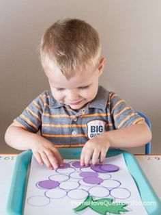 Purple Tot Trays - using this for a Letter G activity with my littles!