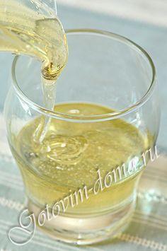 ИНВЕРТНЫЙ СИРОП. Состав: сахар - 300 г, вода - 130 мл, лимонная кислота - 1 г (1/3 чайной ложки без горки)