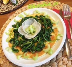Dejte si proteinovou omeletu s řapíkatým celerem. Ke snídani, k obědu nebo k večeři. Pochutnáte si tak i tak. Ramen, Japanese, Ethnic Recipes, Per Diem, Japanese Language, Windows