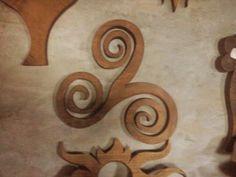 Triskel de madera