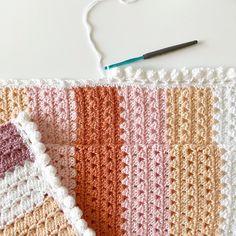 Crochet Modern Boho Granny Blanket - Daisy Farm Crafts free pattern Pom Pom border how to Crochet Afghans, Motifs Afghans, Afghan Crochet Patterns, Crochet Granny, Baby Blanket Crochet, Crochet Stitches, Crochet Baby, Free Crochet, Knitting Patterns