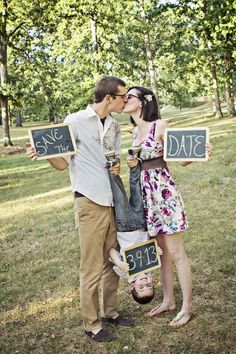 Wedding save the date photo idea that includes children // Mandi Gummels Photography @mandigummels