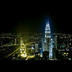 Kuala Lumpur - Petronas - been there during the day, beautiful building.