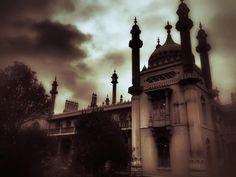 Royal Pavilion Brighton. #royalpavilionbrighton #pavilion #pavilionbrighton #brighton #brightonpavilion #moody #gothic by porius #brighton