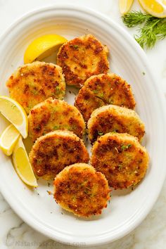 Everyone loves Chicken Patties, even picky eaters! Chicken cakes are crisp outside with a juicy, cheesy center. Easy leftover chicken recipe. #chickenpatties #chickencakes #leftoverchickenrecipe Chicken Patty Recipes, Leftover Chicken Recipes, Leftover Rotisserie Chicken, Turkey Recipes, Chicken Leftovers, How To Cook Chicken, Chicken Fritters Recipe, Chicken Cake, Appetizers