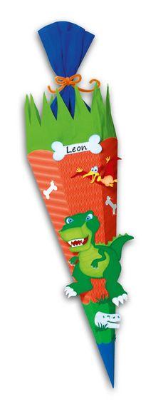 Jungs Schultüte Dino von URSUS finden Sie unter http://www.prell-versand.de/Basteltechniken/Bastelmaterial/Schultueten/Schultueten-Bastelsets/Schultuete-Bastelset-Dino-inkl--Schulstarterpaket-GRATIS-Januar-2015-lieferbar-.html