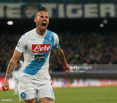 News Photo : MArek Hamsik of Napoli celebrates after scoring...