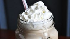 Better Than Coffee Shop Mocha Recipe by Dana Carpender from CarbSmart Grain-Free, Sugar-Free Living Cookbook is lower carb than most coffee shop drinks. Low Carb Sweets, Low Carb Desserts, Fun Drinks, Yummy Drinks, Beverages, Atkins Snacks, Low Carb Starbucks, Mocha Recipe, Low Carb Drinks