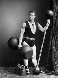 """Eugen Sandow was a German bodybuilder and showman who became interested in bodybuilding at the age of In Sandow held an event called """"The Great Competition"""" which was the first major competition that focused on the judging of strength and physique. Steve Reeves, Lifting Motivation, Fitness Motivation, Bodybuilder, Sport Fitness, Health Fitness, Fitness Diet, Bodybuilding Quotes, Amigurumi"""
