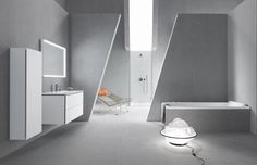 Design by Philippe Starck. With his new ME by Starck range for Duravit, the French creative has succeeded in designing a collection that satisfies the desire for pure esthetics. Cube Furniture, Bathroom Furniture, Philippe Starck, Duravit, Interior Design Degree, Stand Wc, Washbasin Design, Timeless Bathroom, Famous Interior Designers