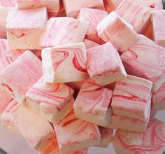 strawberry marshmallows, You can also change up the flavor to what ever you choose! Even adding dried fruits for a wonderful texture. Strawberry Marshmallow Recipe, Marshmallow Treats, Strawberry Puree, Strawberry Recipes, Gourmet Marshmallow, Raspberry Smoothie, Recipes With Marshmallows, Homemade Marshmallows, Homemade Candies