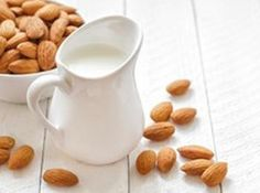 Fresh, real and very tasty almond milk. Making homemade almond milk is actually really simple, and produces a deliciously creamy beverage with minimal effort . This recipe for homemade almond milk start with soaking almonds in Make Almond Milk, Almond Milk Recipes, Homemade Almond Milk, Cashew Milk, Coconut Milk, Soy Milk, Almond Pulp, Vegan Milk, Almond Meal