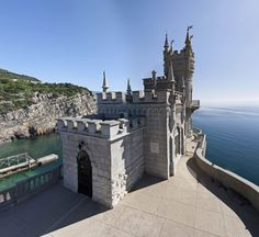 Off The Beaten Track - Swallows Nest, Castle... (7)