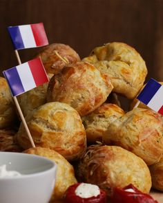 French Cheese Puffs (Gougeres)
