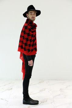 Look do dia diretamente do Blog Lincooln, por Lincoln Briniak. Lincoln, ootd, style, fashion, outfit, male, look do dia, moda masculina, chapéu, scarf, poncho, chelsea boots, chapéu masculino