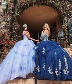 What girl does not dream of a Cinderella dress? The next puffy Quinceanera dresses will make you daydream even more about your fiesta. Mexican Quinceanera Dresses, Quinceanera Ideas, Sweet 15 Dresses, Best Gowns, Quinceanera Hairstyles, Quince Dresses, Engagement Dresses, Glam Dresses, Beautiful Dresses
