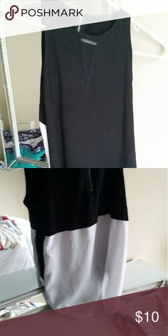 Banana Republic Sleeveless Blouse White and black back with zipper top Banana Republic Tops Blouses