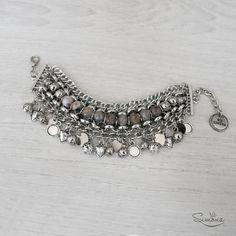 Pulsera Ciria. Detalles en piedras naturales. Glass Jewelry, Beaded Jewelry, Jewelry Box, Silver Jewelry, Jewelry Accessories, Handmade Jewelry, Jewelry Design, Jewelry Making, Jewellery