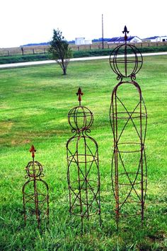 Wrought Iron Sphere and Finial Topiary Flower Support
