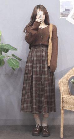 20 Korean Spring Outfits for Street Style Korean Girl Fashion, Korean Street Fashion, Ulzzang Fashion, Muslim Fashion, Look Fashion, Fashion Outfits, Korean Spring Fashion, Womens Fashion, Asian Street Style