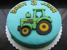 John Deere tractor taart Baby Birthday Cakes, 3rd Birthday Parties, 2nd Birthday, Tractor Tom, John Deere Tractors, Candy Crafts, Pastel, Fondant Cakes, Cake Decorating