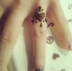Henna Tattoo, Heart on Ring Finger...change heart to turquoise...love @sue bush- can u do?