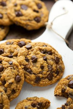 Non-Cakey Pumpkin Oatmeal Chocolate-Chip Cookies // These are so delicious. Made them this weekend and keep eating them and each time am surprised at how good the texture is.