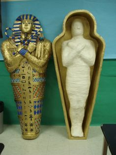 Guest Post – Paper Mache Mummy and Sarcophagus Ancient Egypt Crafts, Egyptian Crafts, Egyptian Mummies, History Projects, School Projects, Monster Party, Egyptian Themed Party, Egyptian Decorations, Mummy Crafts