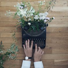 "Bloom and grow together. ""Since I was a little girl I always wanted to be a journalist or writer. I didn& want to win prices…"" Hand Photography, Botanical Tattoo, Creative Photos, Aesthetic Girl, Writing Inspiration, Bloom, Typewriters, Decoration, Beautiful"