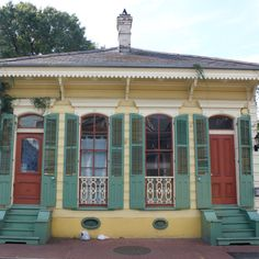 Cute house in New Orleans. New Orleans Architecture, Shotgun House, New Orleans Homes, New Orleans Travel, Cute House, Crescent City, Shotguns, Courtyards, Mardi Gras