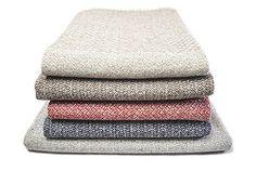 Nuvem/Andorinha #purewool #blankets #throws #conceptdesign #traditionaldesign #Burel  #plaids #mantas #cozy #warm #homedecorating