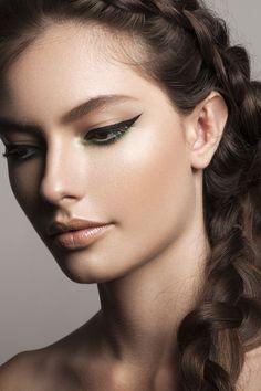 Verde greenery: Como usar a cor do ano na maquiagem (Foto: Andrea Dematte)