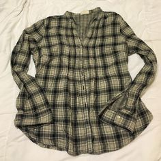 Plaid shirt On trend plaid shirt. Very flattering. Excellent used condition - only worn a handful of times. Converse Tops Button Down Shirts