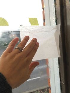 Paper Privacy Windows (window Frost Like a Boss) : 5 Steps (with Pictures) - Instructables Diy Lace Privacy Window, Window Coverings, Window Treatments, Diy Window Shades, Birdhouse Craft, Fractal Patterns, Faux Stained Glass, Painters Tape, Window Cleaner