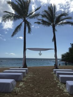 Paradise Cove Wedding, The Beach, #PrivateBeachWedding #HawaiiWeddingsbyToriRogers #weddinginhawaii #weddinginoahu #bestoahuweddingplanner