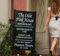 Dinner at The Olde Pink House  Well known for its' distinctive color (due to a fire that caused a chemical reaction between the brick wall and whitewashed exterior), The Olde Pink House restaurant is also well known for its' ghost population…