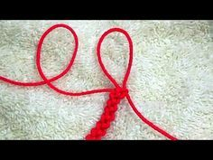 Quipus Macrame by Peruvian Knots. Solo Macrame, Knot by knot. Bracelet Fil, Bracelet Crafts, Jewelry Crafts, Handmade Jewelry, Macrame Knots, Macrame Bracelets, Nudo Simple, Japanese Ornaments, Macrame Tutorial