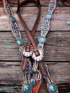 The Cowboy Junkie is the original creator of hand painted tack. You will find beautiful headstalls, breast collars, spur straps, dog collars and more. Western Horse Tack, Horse Bridle, Cowgirl And Horse, Horse Gear, Horse Saddles, Western Saddles, Cute Horses, Horse Love, Barrel Racing Tack