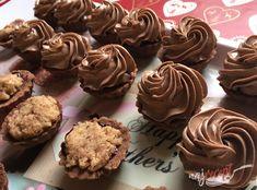 Oreo Cupcakes, Cake Cookies, Cupcake Cakes, Christmas Sweets, Christmas Baking, Sponge Cake Recipes, Cookie Recipes, Food Displays, My Dessert