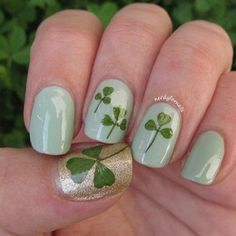 17 Gorgeous Nail Art Designs For St. Patrick's Day