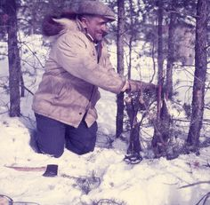 Hudson's Bay Company Store Clerk Henry Linklater Building a Mink Trap, Brochet, Manitoba   Creator(s): Rosemary Gilliat Eaton Date(s) : March 1955   Reference No.: MIKAN 4323892, 4324130  #MétisNation