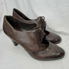Connie Brown Victorian Heels Size 8.5 Used FREE SHIPPING!! #heels (ebay link) Women's Slip On Shoes, Classic Pumps, Silver Heels, Victorian Fashion, Brown Leather, Peep Toe, Oxford Shoes, Free Shipping, Boots