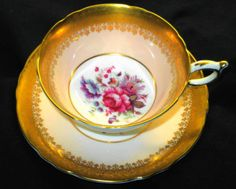 PARAGON-FLOWER-ROSE-CENTER-GOLD-ETCH-TEA-CUP-AND-SAUCER-PASTEL-PINK