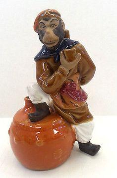 Vintage-Figural-Monkey-Saki-Bottle-Decanter-HKDNP-Bar